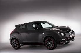 nissan juke white and red nissan hands over juke nismo batman edition to competition winner
