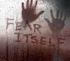 Fear itself: Terror en estado puro Images?q=tbn:ANd9GcSFSi1ZaJ-5paEnogdQntjcHweQaIG28AcLvleXObk2h1C4ojQvlQ&t=1