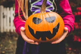 17 halloween costumes her campus