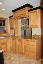 Crown Moulding Kitchen Cabinets Crown003 Kitchen Cabinets With Crown Molding Thomaspayne Co