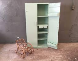 armoire vintage enfant armoire tolix couleur vert d u0027eau