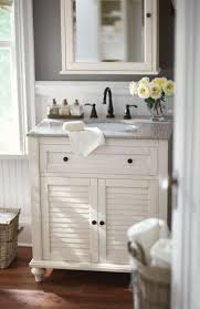 How To Make Small Bathroom Look Bigger Best 20 Small Bathroom Vanities Ideas On Pinterest Grey