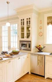 Small White Kitchen Design Ideas by Best 25 Kitchen Peninsula Ideas On Pinterest Kitchen Bar