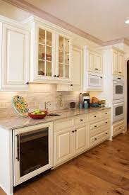 Painting Kitchen Cabinets Two Different Colors Best 20 Off White Cabinets Ideas On Pinterest Off White Kitchen