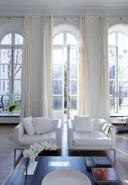Windows Treatment Ideas For Living Room by How To Hang Curtains 101 Hang Curtains Window And Arched Window
