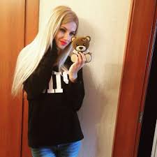 Full help on finding the top free dating sites  amp  paid dating websites if you     re dating online  including dating safety tips  amp  more from Money
