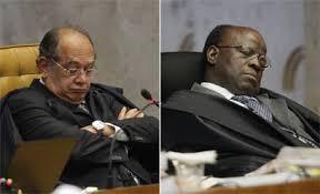 Minsitros Gilmar Mendes e Joaquim Barbosa (foto O GLOBO retirada do Google Images)