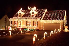 Homes With Christmas Decorations by Homes Decorated For Christmas Home Decorations
