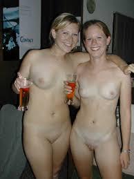 naked family home'|