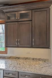 Maple Shaker Style Kitchen Cabinets Best 25 Wellborn Cabinets Ideas On Pinterest Wet Bar Cabinets