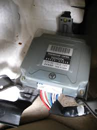 where is the transmission ecu located 2005 prius priuschat