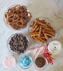 Chocolate Accents by 3 Easy Steps Diy Chocolate Covered Pretzels Flirting With Flavors