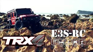 e3s rc hilux truggy on trailer behind land rover d90 rc4wd trail