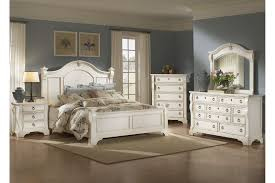 Antique White Youth Bedroom Furniture American Woodcrafters Heirloom Collection Poster Bedroom Set In