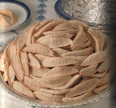 موسوعة الحلويات المغربية بمناسبة عيد الفطر   2013 Images?q=tbn:ANd9GcSYC3abM5gJ9_qUl356T1mPDajXVtnGc5cZA-PilFEaUGj7oB-n