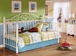 Cute Daybeds Bedding Set Showitems Beautiful White Daybed Bedding Daybed Set