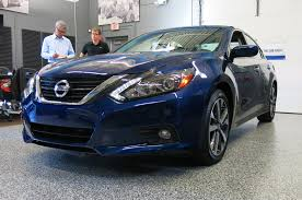 nissan altima coupe black 5 things to know about the 2016 nissan altima