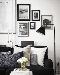 20 of the best colors to pair with black or white living rooms