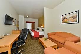 oversized desk picture of best western plus guymon hotel