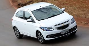 Chevrolet Onix segue como o modelo mais vendido no mercado ...