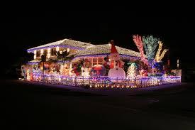 20 mesmerizing outdoor christmas lighting ideas