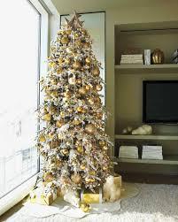 27 creative christmas tree decorating ideas martha stewart