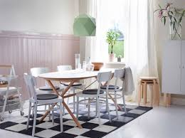 Ikea Dining Table Hacks This Table Combination Brings A Calm Modern Look To The Room