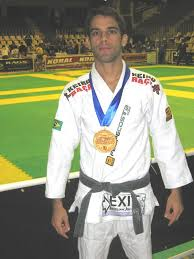 FelipeCosta.com In this amazing documentary Black Belt World Champion Felipe Costa shows how it is possible to go from being a regular BJJ fighter to an ... - felipe_costa