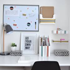 Desk Organization Accessories by College Desk Organization Inspiration That Sticks