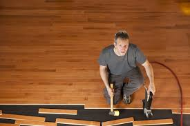 Difference Between Engineered Wood And Laminate Flooring Engineered Hardwood Vs Laminate Flooring Theflooringlady