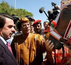 Aznar y Gadaffi