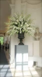 composition florale haute new centerpiece idea not sure if delphinium but like the large