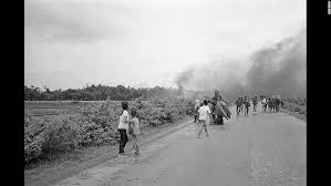 Obama lifts U S  arms ban on Vietnam   CNNPolitics com Injured civilians and soldiers flee from the site of the attack