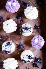 three cute u0026 easy halloween cupcakes something swanky