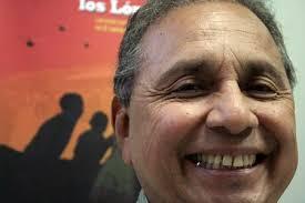 Felipe Vargas ha estado al frente de la Secretaría de Comunicaciones de la UES durante varios años. Buena parte de los últimos tres, los ha dedicado al ... - 20071121044113-lic-felipevargas-loslopez