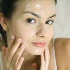 7 Recipes For Natural Homemade Facials
