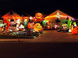 decorated houses 11 craziest halloween decorated homes best 9
