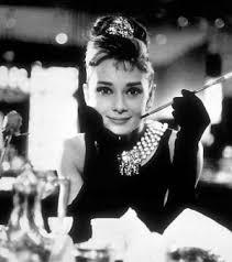 Julie Andrews comemora 50 anos de Bonequinha de Luxo em baile ...