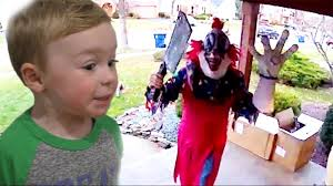 killer clown costume spirit halloween killer clown steals our box of clown costumes scary clown steals