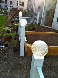 Solar Fence Lighting by Best 25 Fence Lighting Ideas Only On Pinterest Privacy Fence