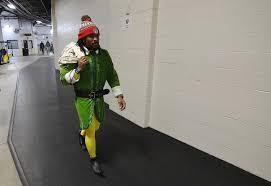 deangelo williams dressed like an elf before ravens vs steelers