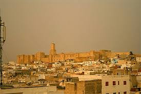 dans TUNISIE