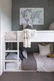 bedrooms for girls with bunk beds best 25 shared bedrooms ideas on pinterest sister bedroom