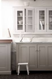 Kitchen Cabinet Colour Best 25 White Glazed Cabinets Ideas On Pinterest Glazed Kitchen