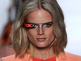 http://techrity.com/2012/10/02/debut-google-glass-di-panggung-fashion-diane-von-furstenberg/