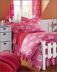 اجمل الستائر والمفروشات لغرفة طفلك Images?q=tbn:ANd9GcSv8IJrGNBNxhrAMTwcY3WZ3dKXHCw18m5d3tjM2SzwuRRVzVx7