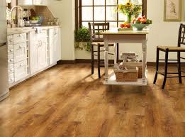Difference Between Engineered Wood And Laminate Flooring Laminate Flooring Wood Laminate Floors Shaw Floors