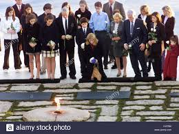 caroline kennedy schlossberg c surrounded by her family kneels
