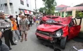 Gambar Bocah SMP Bawa Jazz Merah Tabrak 15 Orang Di Makassar
