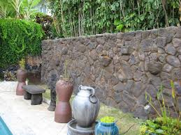 Stone Cladding For Garden Walls by What Is Big Rock Stone Veneer